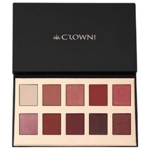 Crown brush Fuego eyeshadow palette